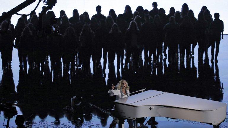 Lady Gagaconmovió al teatro Dolby con su impactante performance