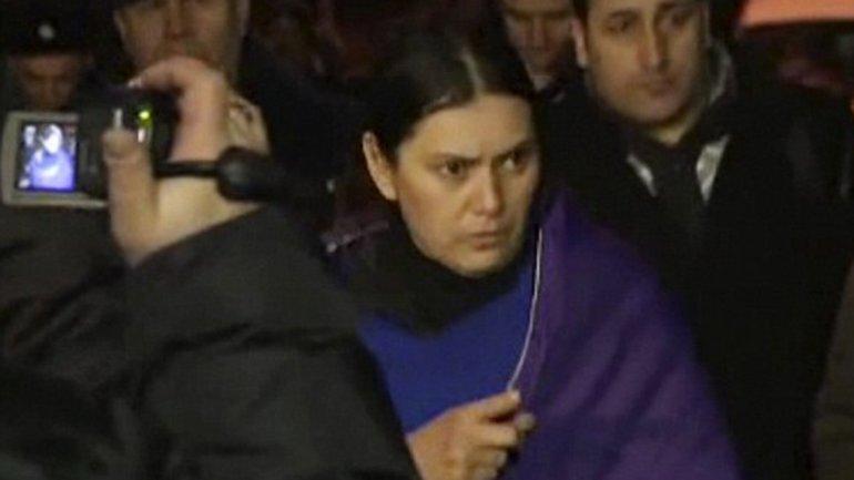 Gyulchekhra Bobokulova regresó a la escena del crimen. Mostró a la policía de Moscú cómo decapitó a la niña de 4 años que cuidaba