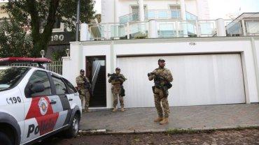 Las fuerzas de seguridad en la casa de Lula da Silva