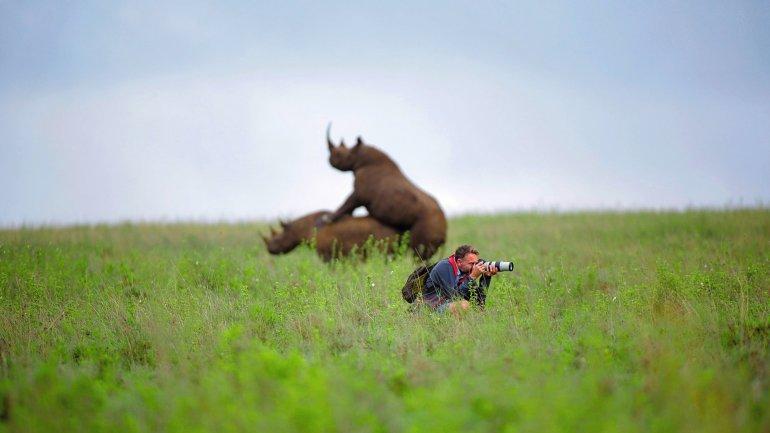 La imagen de un fotógrafo aparentemente distraído dio lugar a una gran confusión