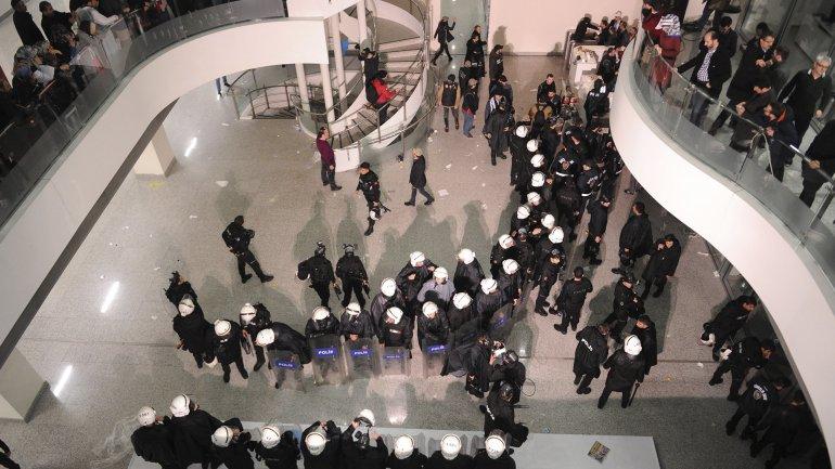 Las oficinas de Zaman, allanadas por la policía el viernes