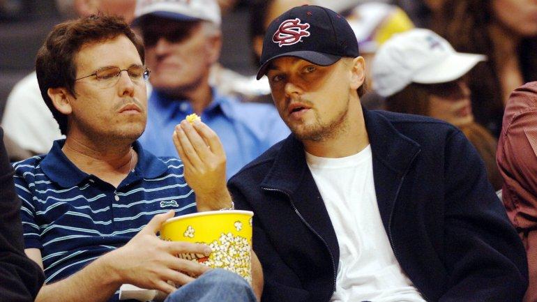 Leonardo DiCaprio junto Adam Farrar