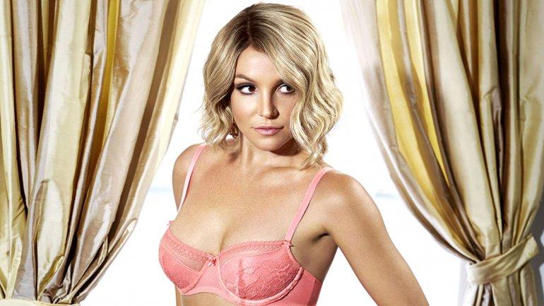 Britney Spears acalló la críticas con una imagen de ella con una sexy bikini