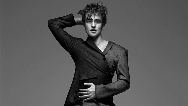 Robert Pattinsonse prueba como diseñador de moda