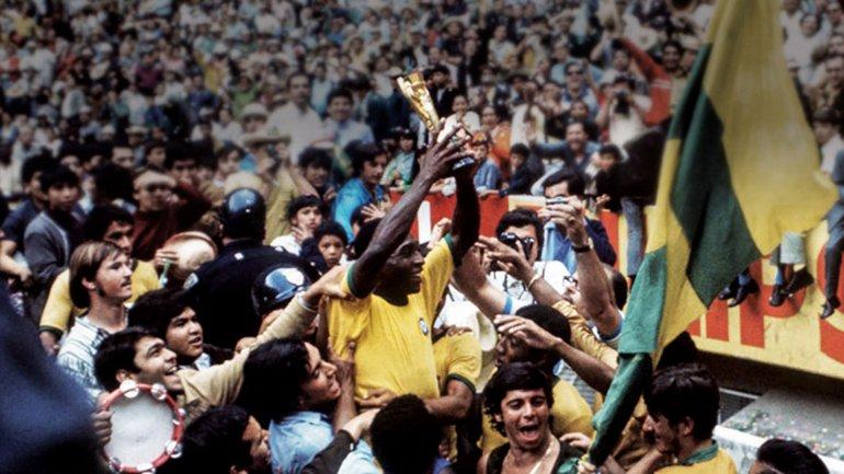 Pelé es considerado uno de los mejores futbolistas de la historia