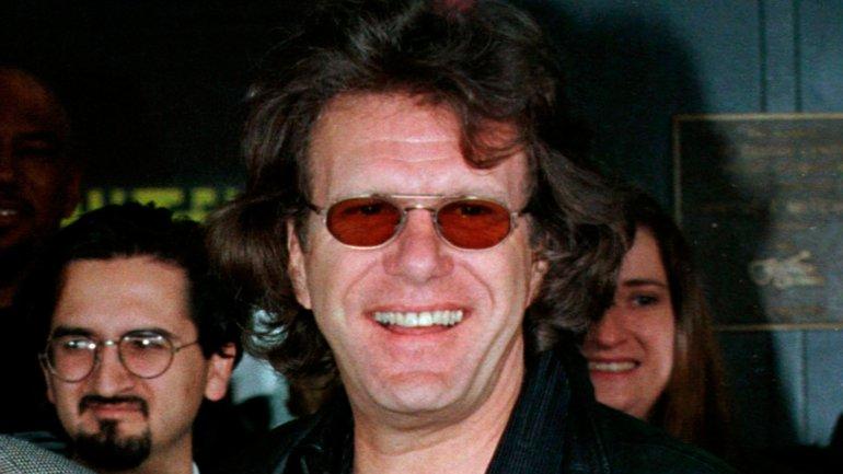 Ayudó a formar uno de los primeros grupos de rock progresivo, The Nice, antes de unirse con Lake y Palmer en 1970