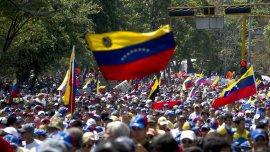 Oficialistas y opositores convocaron marchas en Caracas