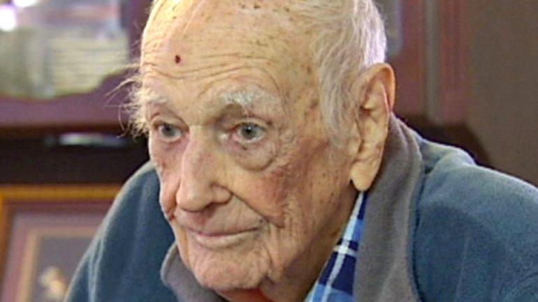 El presunto abuelo de los 1.300 hijos es en verdad unveterano de la Segunda Guerra Mundial,que apareció en una noticia de 2012 sobre un robo.
