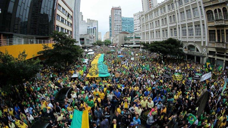 Los organizadores de las masivas manifestaciones estiman que más de un millón de personas se movilizaron en todo el país