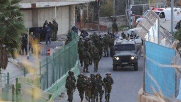 Las fuerzas militares de Israel en las cercanías de la Tumba de los Patriarcas
