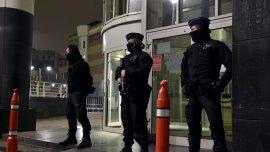 Un gran operativo de seguridad en el hospital donde permanecía el terrorista
