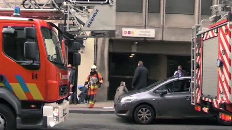 Los bomberos ya evacuaron el lugar y aseguran la zona. La estación Maelbeck se la más cercana a la sede de la Unión Europea.