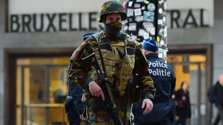 Las autoridades belgas buscan a un yihadista fugitivo tras los atentados de Bruselas