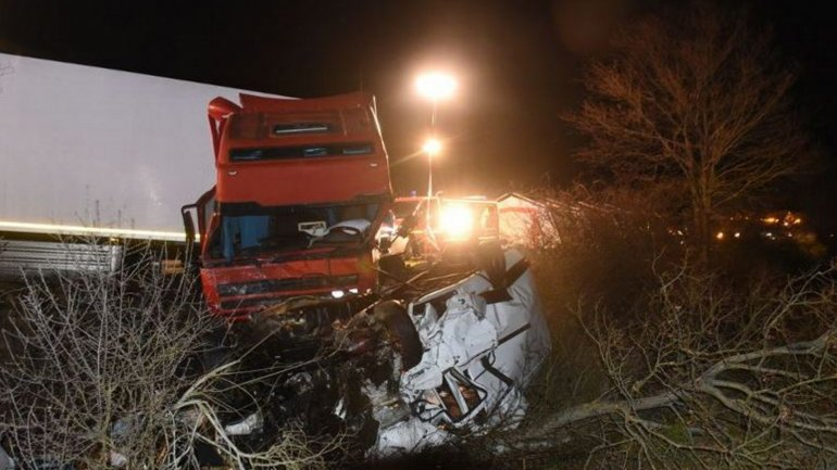 12 personas murieron en el trágico accidente automovilístico