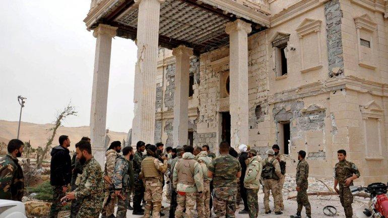 Soldados sirios expulsaron al Estado Islámico de la ciudad arqueológica de Palmira