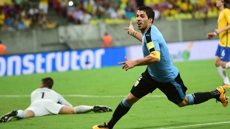 Así celebró Luis Suárez su gol ante Brasil en Recife