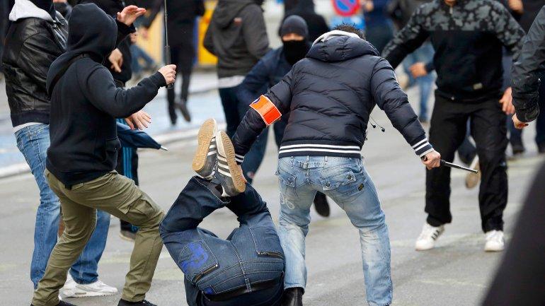 La prensa local informó que cerca de 450 manifestantes chocaron con la policía en Bruselas