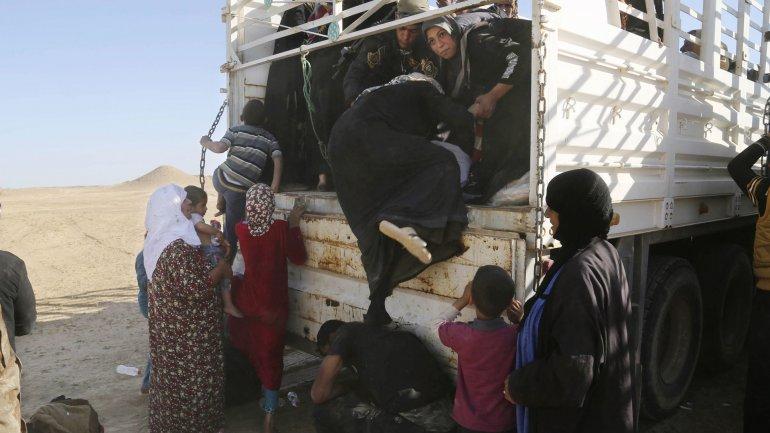 Los yihadistas del Estado Islámico se encuentran en Hit para conquistar una nueva ciudad de Irak