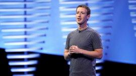 Mark Zuckerberg durante su presentación en el F8.