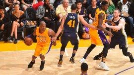 Kobe Bryant lidera un ataque contra Utah Jazz