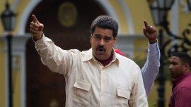 El presidente de Venezuela, Nicolás Maduro, participa de un evento frente a simpatizantes
