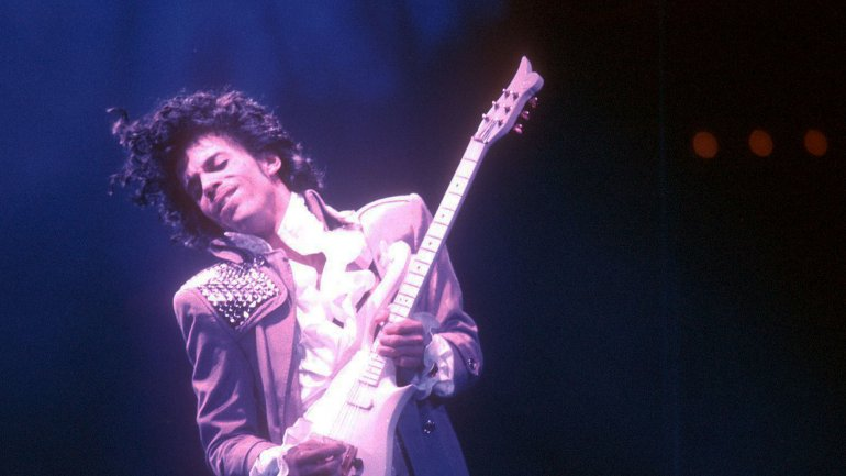 El legendario artista Prince murió en su mansión de Minnesota el jueves pasado. Tenía 57 años