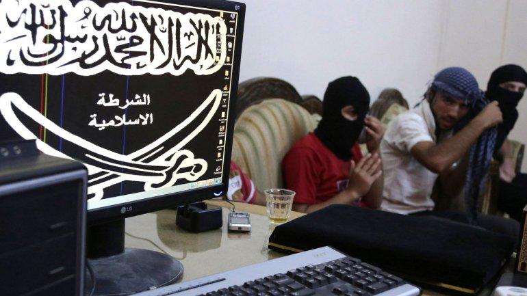 Los yihadistas usaron las redes sociales para extender su influencia.