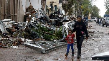 Más de 12.000 personas debieron abandonar sus hogares, mientras las lluvias continúan