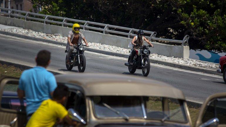 Las principales calles de La Habana se convirtieron en una pista de carreras para la filmación de parte de Rápido y Furioso 8.