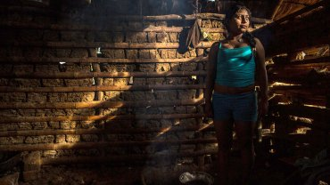 E., de 16 años, que pidió mantener su nombre en el anonimato, en su granja familiar en las montañas del Cauca, en el suroeste de Colombia. Fue obligada a unirse a las FARC a los 14 años