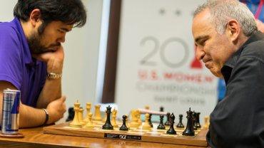 Ningun jugador mayor de 50 años forma parte del Top 50, Kasparov, con 53, venció al número 2