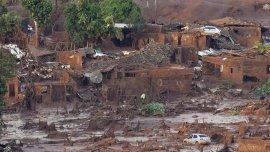 El colapso del embalse arrasó con el pueblo de Mariana y provocó 19 muertos