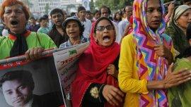 Aumentan las protestas por una serie de asesinatos con machetes atribuidos a islamistas