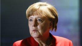 La canciller enfrenta presiones de algunos sectores por su política de apertura a la inmigración