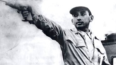Edwin Vásquez Camp nació enLima, el 28 de julio de 1922 y falleció el 9 de marzo de 1993, y ganó la única medalla de oro de la historia de Perú en los Juegos Olímpicos