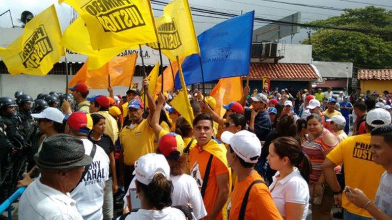 La oposición pide que se apruebe el revocatorio contra Nicolás Maduro