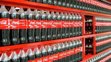 Por falta de azúcar, Coca-Cola anunció la suspensión de su producción