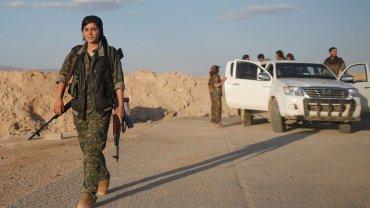 El Ejército de Irak y las Fuerzas Democráticas Sirias llevan adelante una ofensiva masiva contra ISIS