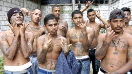 Los integrantes de las maras salvadoreñas tatuan sus cuerpos como señal indentificatoria.