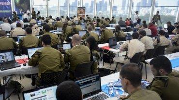 Más de 40 equipos de las fuerzas de defensa israelíes, compañías civiles, y grupos extranjeros participaron del I Defense en Tel Aviv