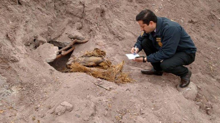 Agricultores descubrieron tres momias en el norte de Chile