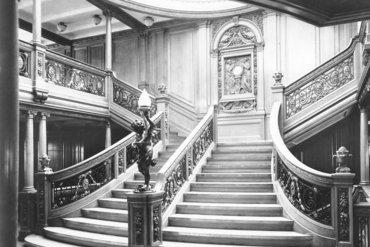La escalinata principal del RMS Titanic