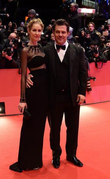 Josh Brolin y Kathryn Boyd