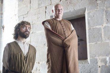 Tyrion Lannister y Varys se quedan al mando de Meereen en ausencia de Daenerys