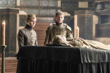 Jaime Lannister y el rey Tommen Baratheon, en el funeral de la princesa Myrcella, hija y hermana respectivamente