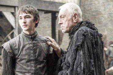 Tras una temporada ausente, Bran Stark volverá a ser uno de los protagonistas de la historia. En la imagen, junto al Cuervo de Tres Ojos, interpretado por Max Von Sydow, una de las estrellas de la nueva temporada