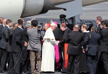 Una comitiva de obispos católicos también aprovechó la ocasión para saludarlo en La Habana
