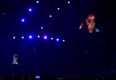 El tributo de Lady Gaga al fallecido David Bowie fue uno de los momentos estelares de la noche