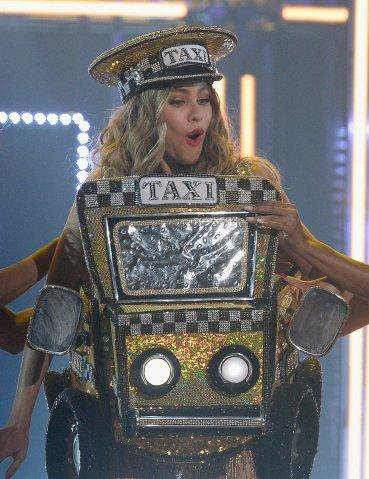 La actriz Sofia Vergara bailó al ritmo del rapero Pitbull