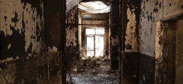 OCTUBRE - Por error, un bombardeo norteamericano cayó sobre un hospital en Kunduz, Afganistán